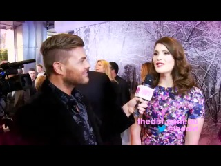 Gemma Arterton Calls Jeremy Renner Narcoleptic! - The Dirt TV